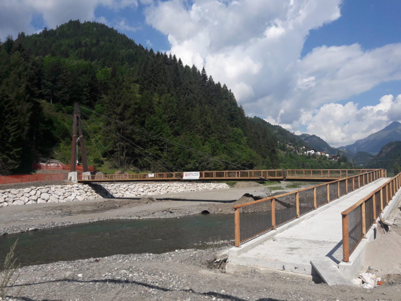 Progetto di costruzione di una passerella ciclopedonale sul torrente Cordevole